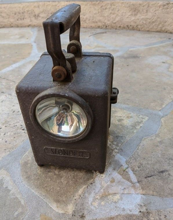 Lampe cheminot WONDER Fanal 60 Bouc-Bel-Air (13)
