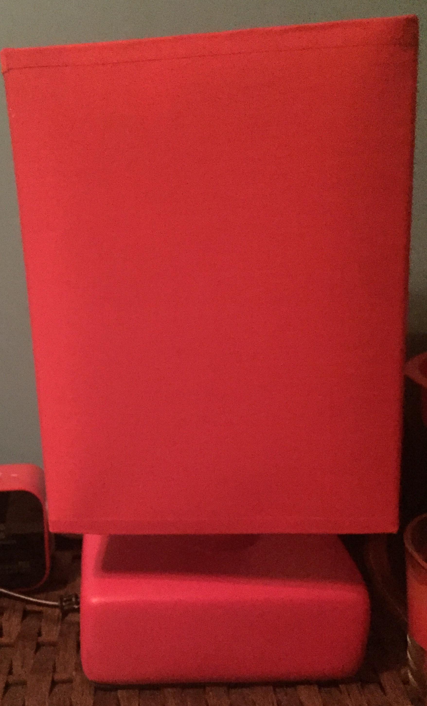 lampe de chevet rouge 5 Paris 19 (75)