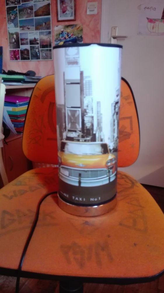 Lampe de chevet  NY TAXI N° 1 10 Lannion (22)
