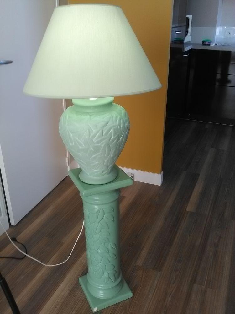 Lampe sur colonne faïence verte (en deux parties) Décoration
