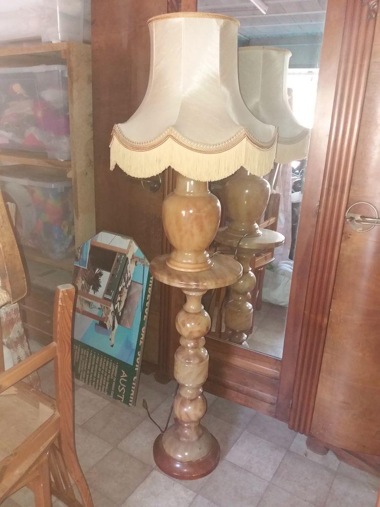 lampe  sur colonne en onyx  100 Hyères (83)