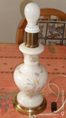 Lampe décorée hauteur 38 cm 25 Montreuil (93)