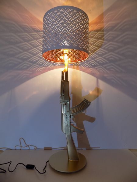 LAMPE DESIGN AK47 KALASH decoration 0 Paris 1 (75)