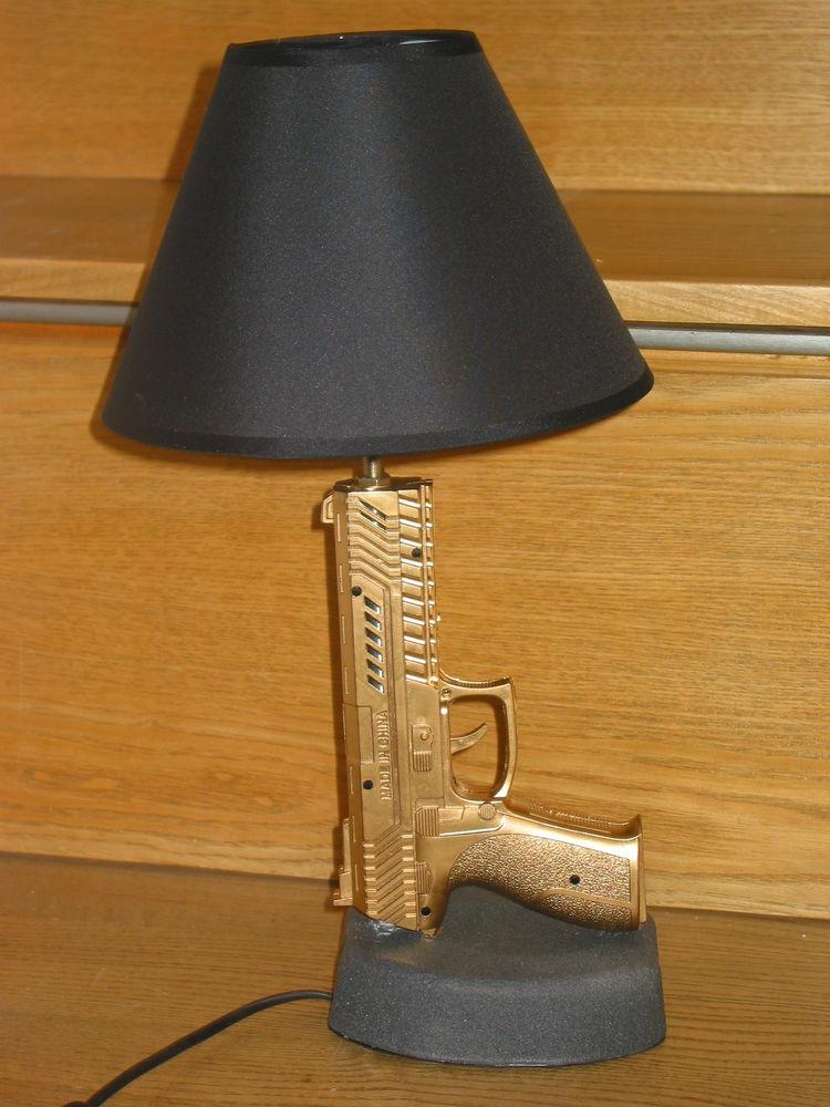 LAMPE GUN DESIGN COLT SIG SAUER abat jour chevet bureau tabl 65 Marseille 13 (13)
