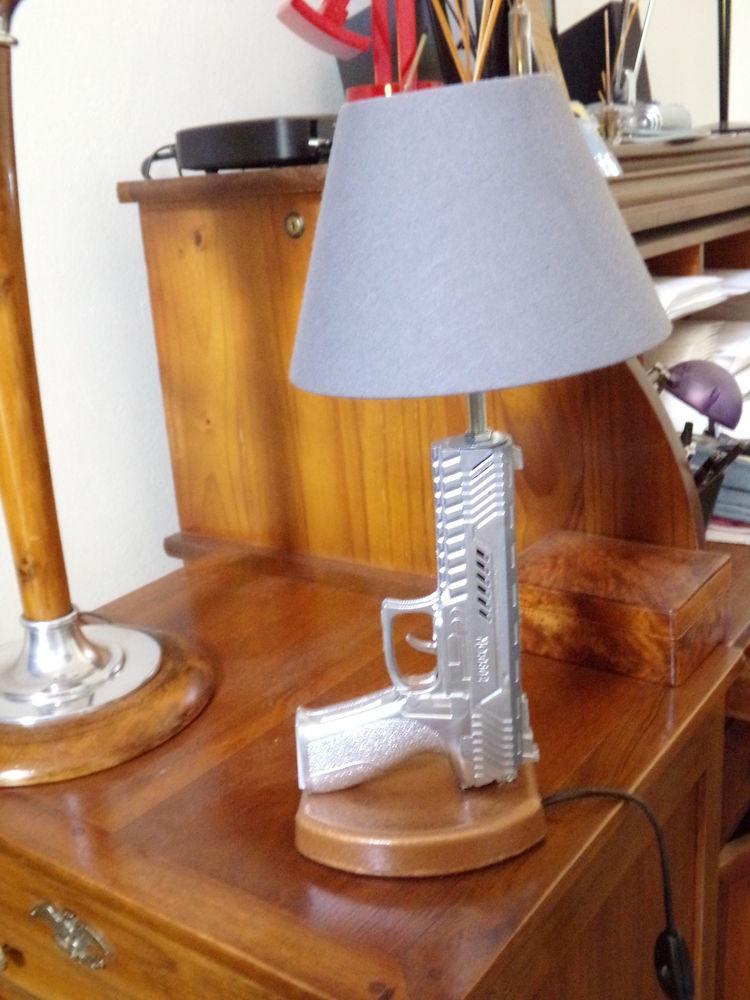 LAMPE GUN DESIGN COLT SIG SAUER abat jour chevet bureau tabl 55 Marseille 13 (13)