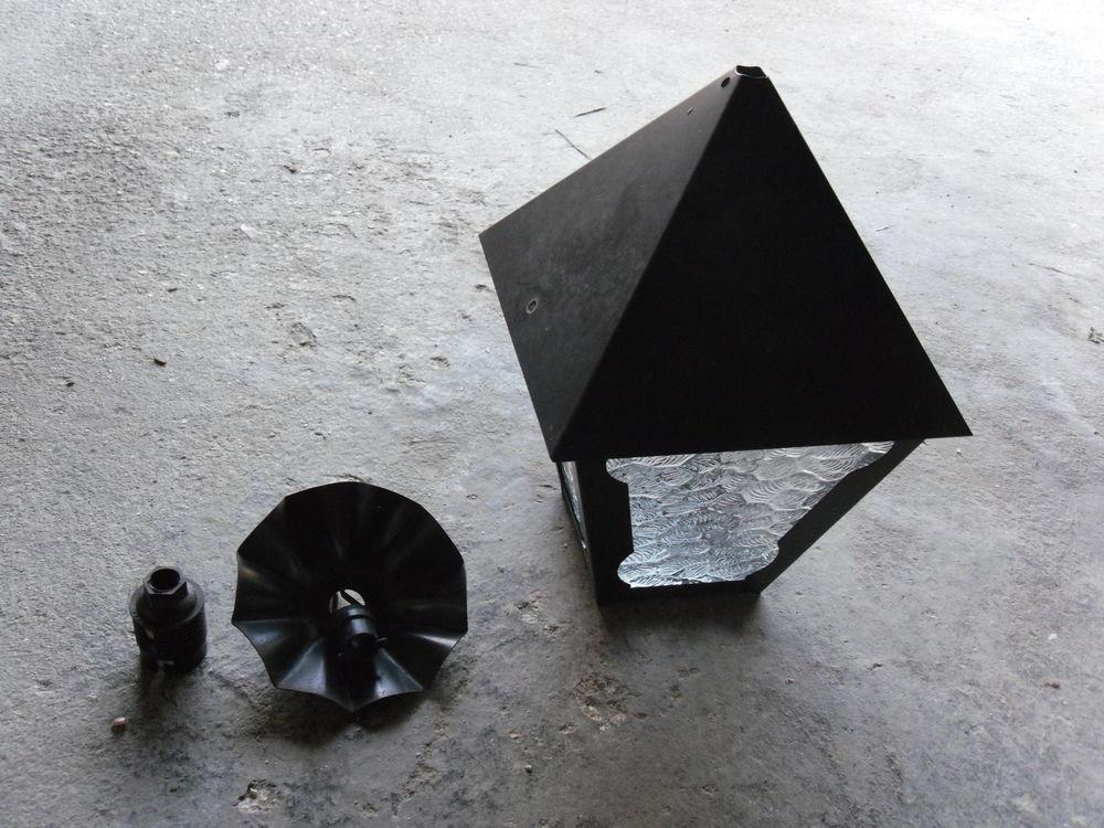 Lampe d'extérieur, métal et verre 220 volts 5 Barentin (76)