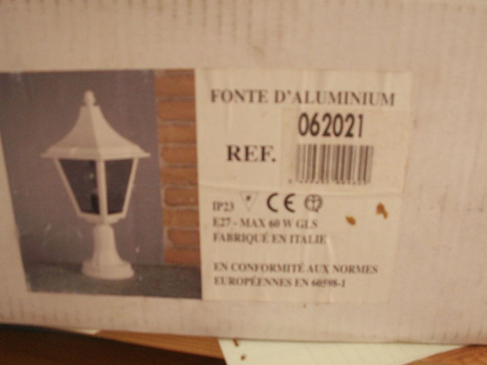 lampe d extérieur neuve 45 Froideconche (70)