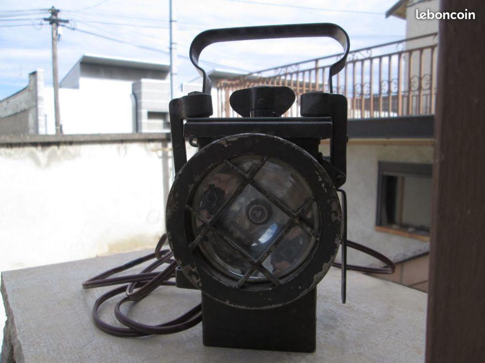 Lampe (falot) de cheminot pour collection ou décoration 120 Bourgoin-Jallieu (38)