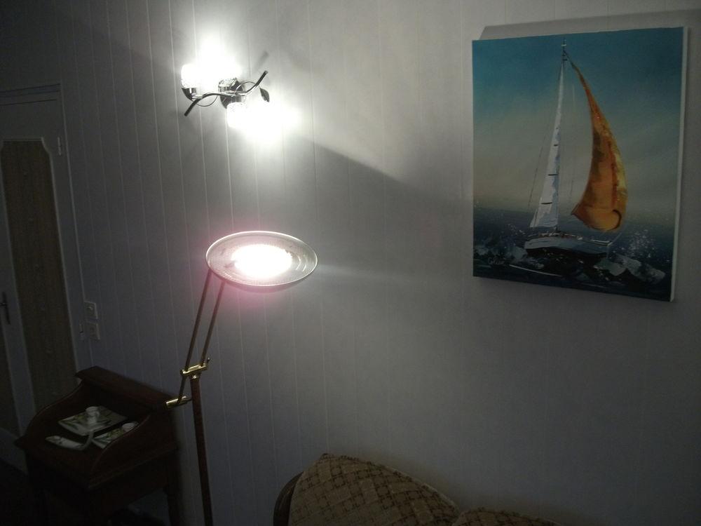 LAMPE HALOGENE 0 Plédran (22)