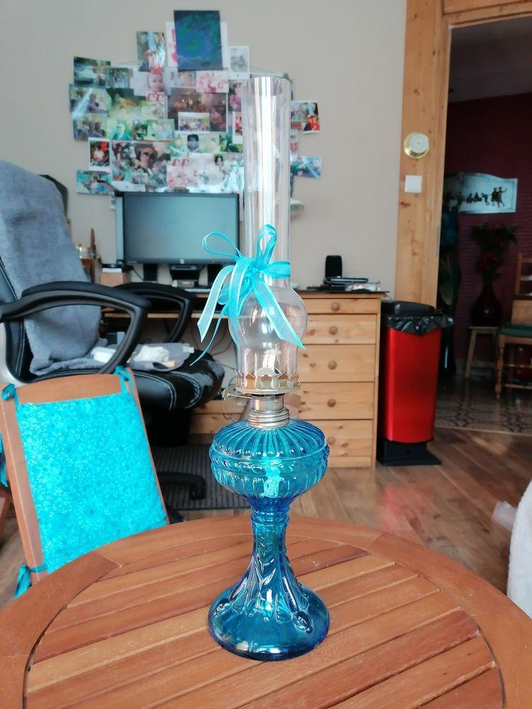 lampe a pétrole bleue 30 Ugine (73)