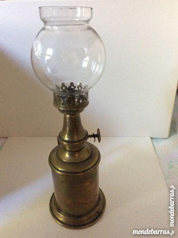 Lampe Pigeon modèle essence avec son verre 12 Gif-sur-Yvette (91)