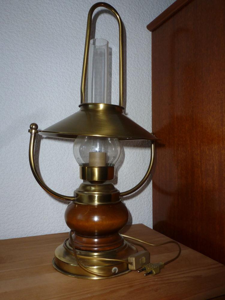 Lampe à poser  50 Nevers (58)