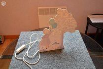 Lampe pour chambre de bébé face en bois original vintage  0 Mérignies (59)