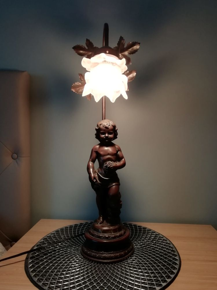 LAMPE-STATUE ROMANTIQUE A POSER ENFANT AU BOUQUET 40 Fosses (95)