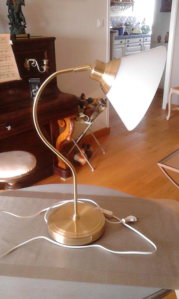 LAMPE DE TABLE 15 La Rochelle (17)