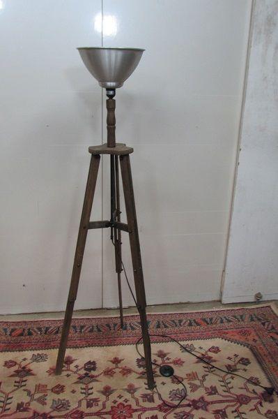 Lampe trépied d'ambiance , lampadaire 140 Paris 12 (75)