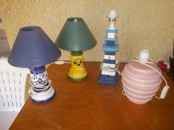 Lot de 4 lampes de chevet ou salon. 10 Saint-Just (07)