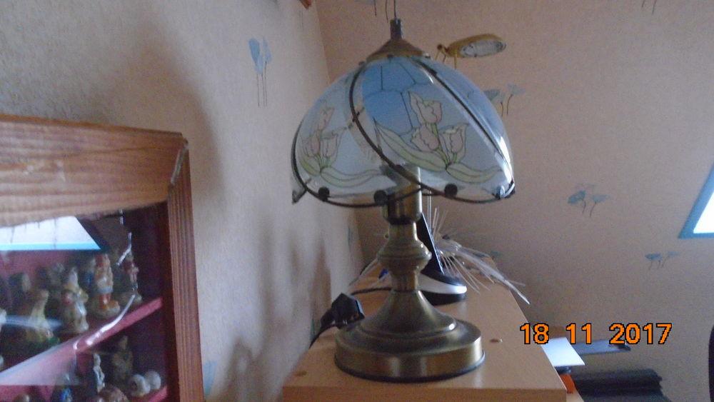1 lampes , 5 euros  5 Nantes (44)