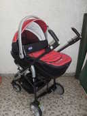 landau de marque  chicco + siège auto 0 à 8 mois . 92 Pontault-Combault (77)