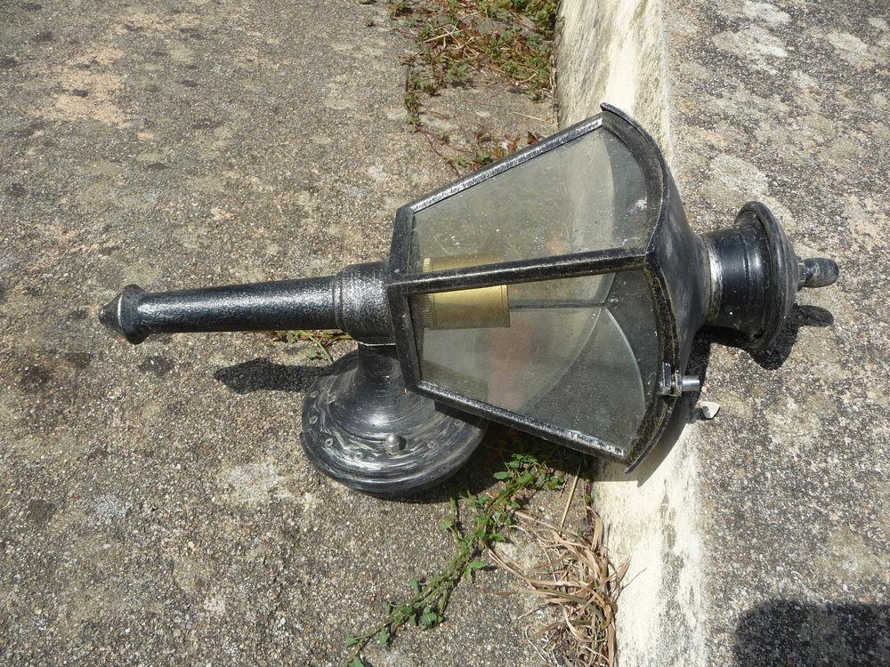 Lanterne ancienne  20 Saint-Quentin-sur-Nohain (58)