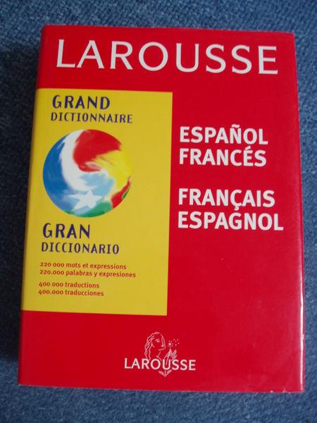 Larousse espagnol 8 Nantes (44)