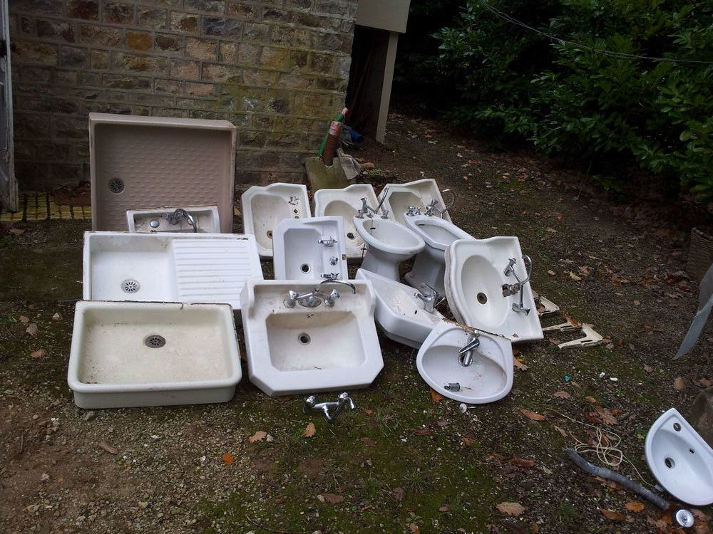 Lot de 14 lavabos, bidets, eviers, douche, supports Bricolage