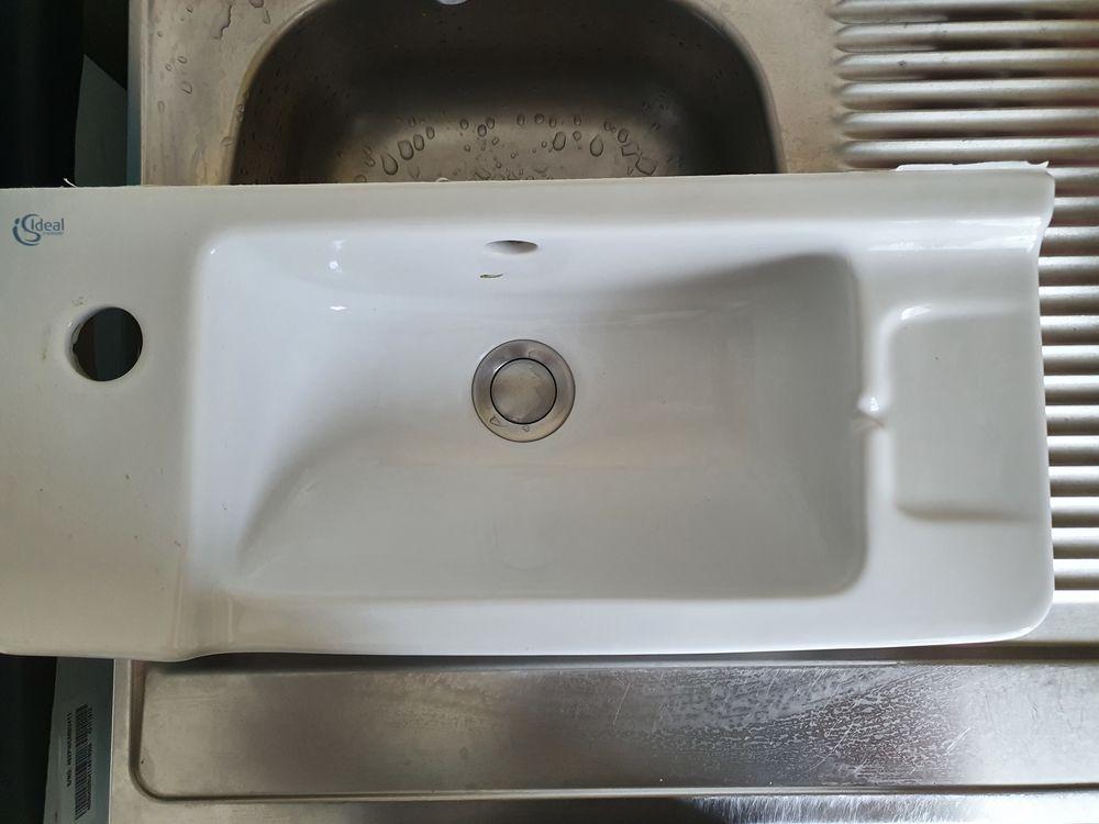 Lave-mains Ideal Standard 30 Meroux (90)