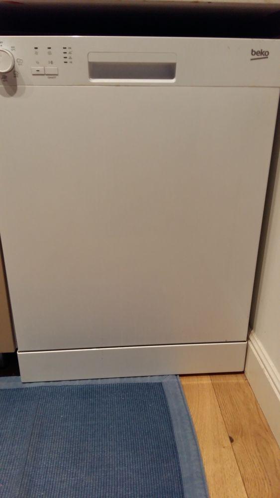 lave vaisselle BEKO  LVP63S2 150 Toulon (83)