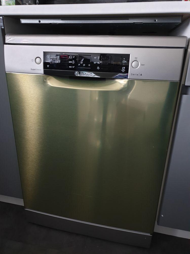 Lave vaisselle bosch sms46ji19e etat neuf  450 Brézé (49)