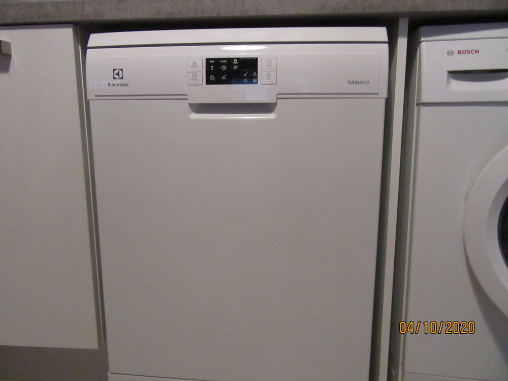 lave vaisselle  electrolux 14 couverts 280 Antibes (06)