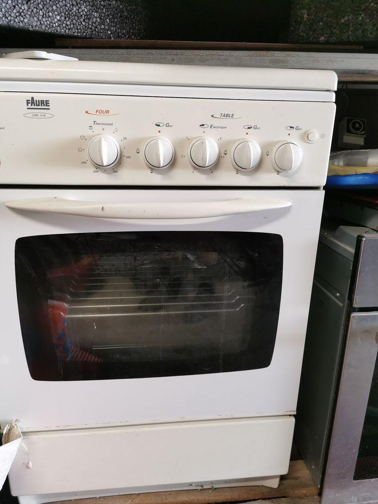Lave vaisselle, hôte, cuisinière, gaz,  0 Rossfeld (67)