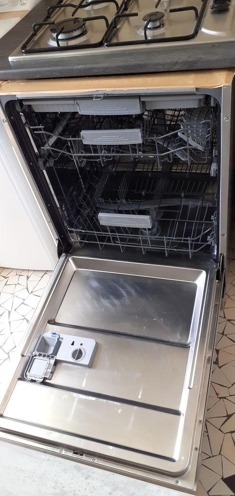 Lave-vaisselle valberg  15 couverts 250 Brest (29)