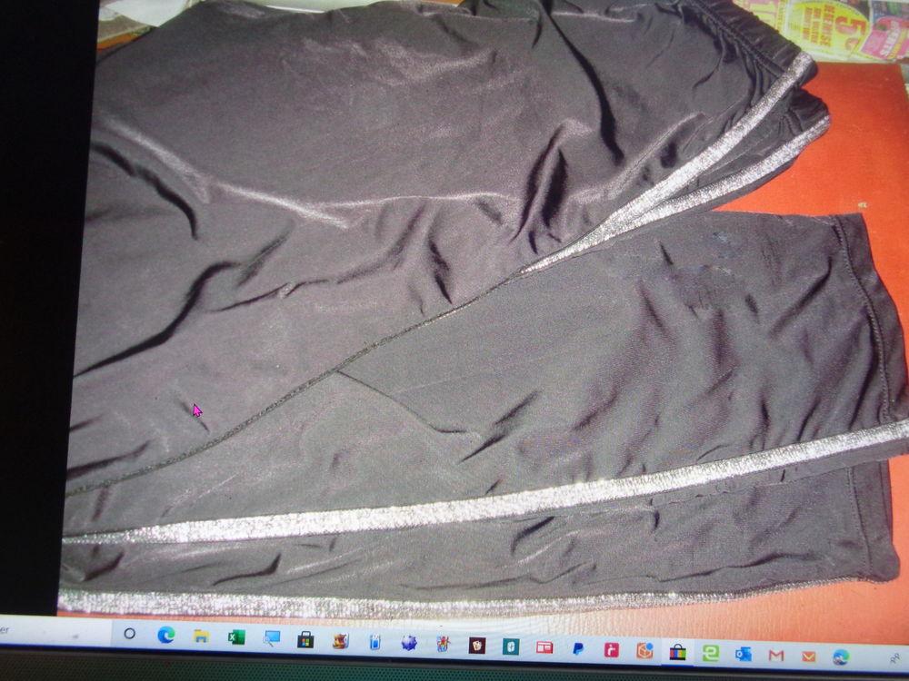 legging  bande extérieur argenté tl 8 Argenteuil (95)