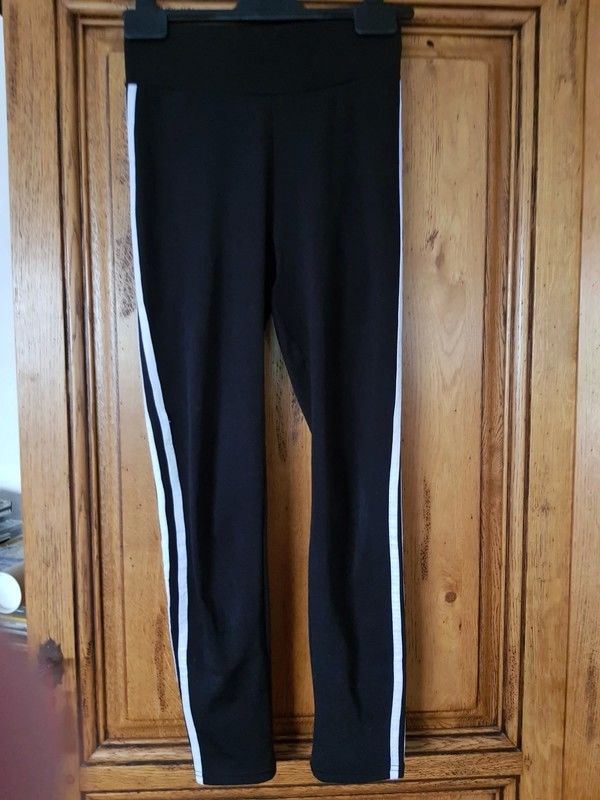 Leggings noir deux bandes blanches neuf taille s soit 36 mes 7 Viriat (01)
