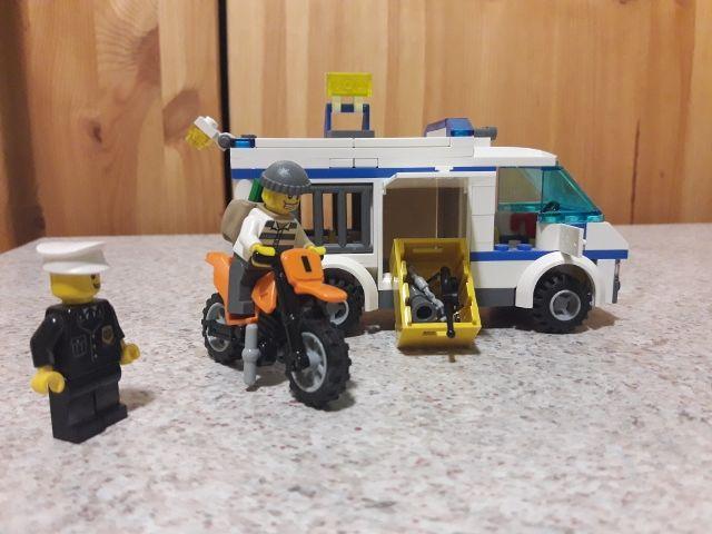 LEGO City 7286 - Transport de prisonnier 20 Cléon-d'Andran (26)