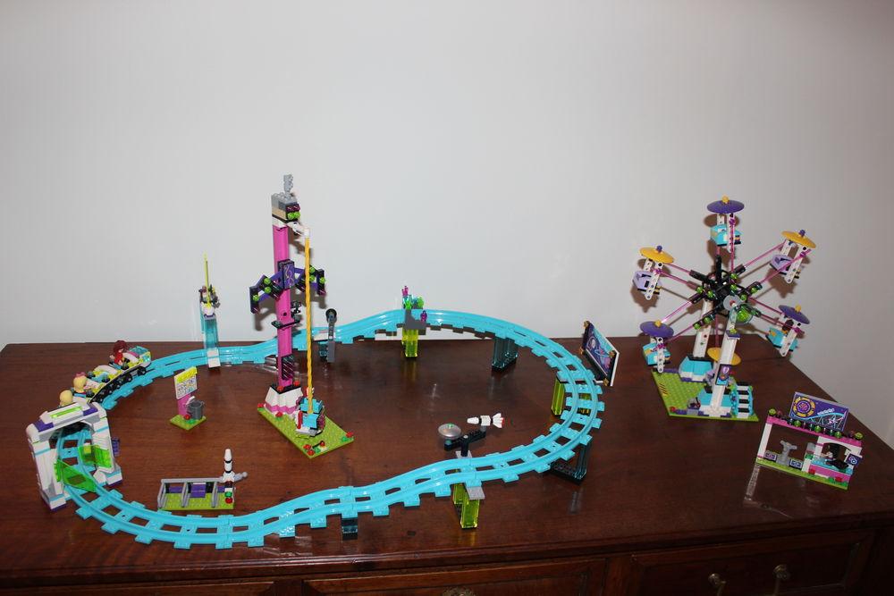 LEGO Friends - Les montagnes russes du parc d'attractions. 75 Bordeaux (33)