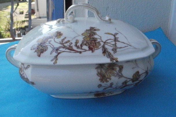 Légumier porcelaine de LIMOGES de la marque LANTERNIER 25 Montauban (82)