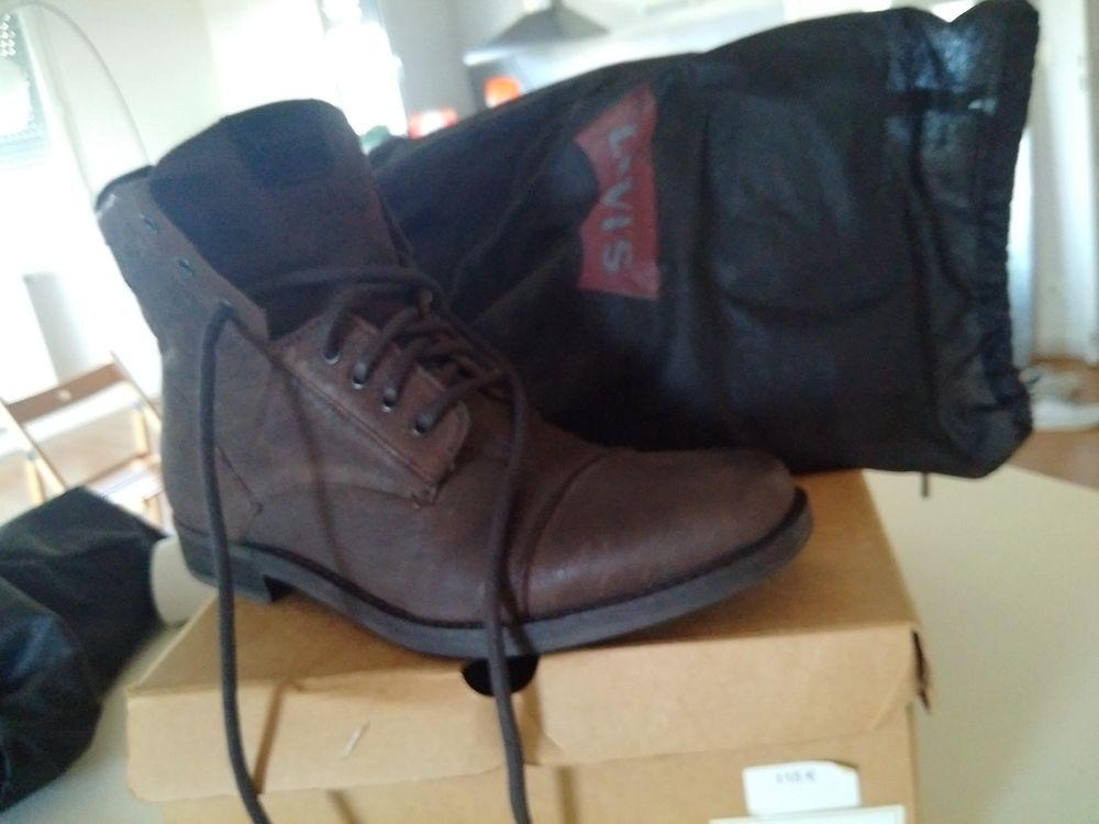 Levi's taille 43 homme Chaussures