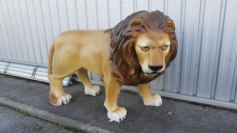 lion en resine et fibres de verre 1450 Pers-Jussy (74)