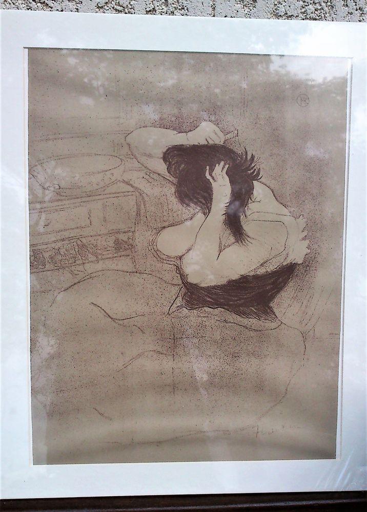 0eab0a69f7b Lithographie Toulouse-Lautrec.Femme qui se peigne