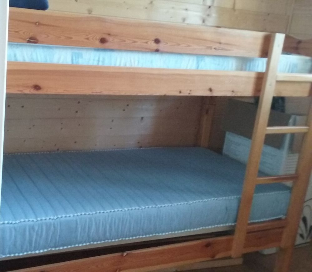 meubles sapin occasion bordeaux 33 annonces achat et vente de meubles sapin paruvendu. Black Bedroom Furniture Sets. Home Design Ideas