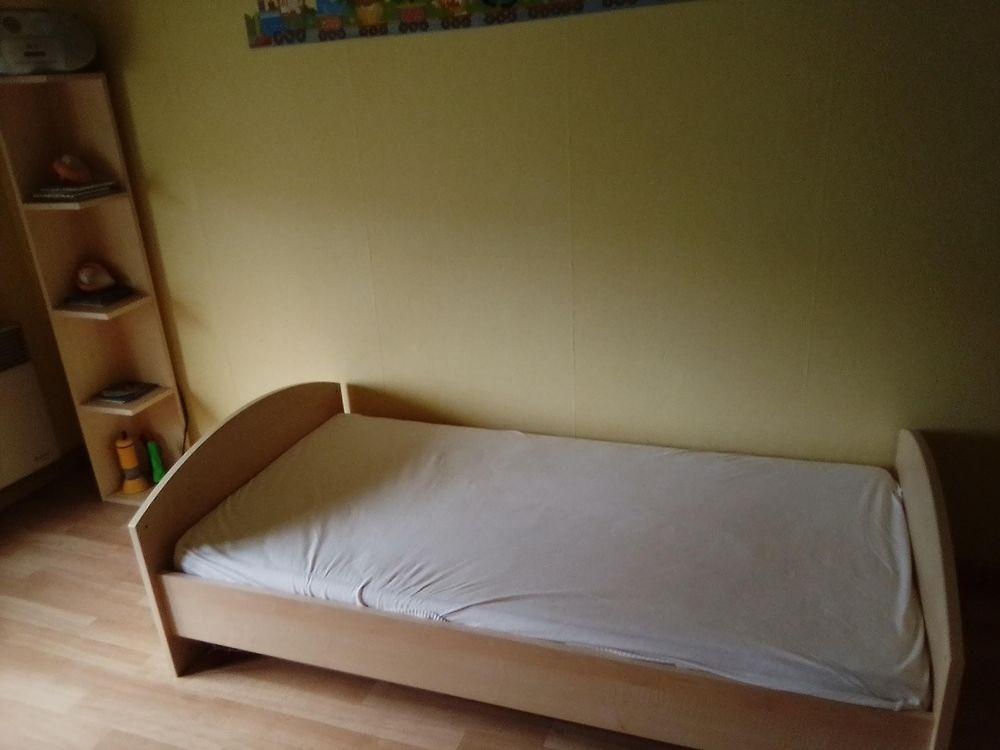 3 lits pour enfants en bon état. 100 Ostwald (67)