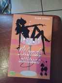 Livre Blonde Attitude Auteur Plum Sykes édition Fleuve noir 5 Malakoff (92)