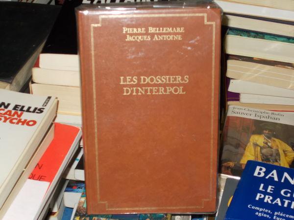 livre broché les dossiers d'interpol pierre Bellemare 10 Monflanquin (47)