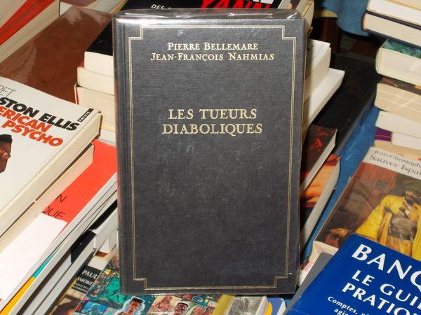 livre broché les tueurs diaboliques pierre Bellemare 10 Monflanquin (47)