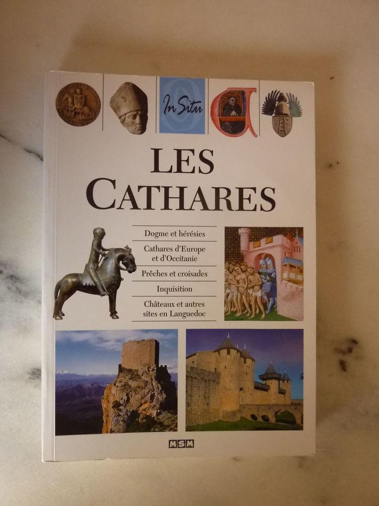 Livre  Les Cathares  10 Tassin-la-Demi-Lune (69)