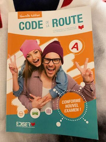 livre Code de la route - Permis année 2020 15 Montdidier (80)