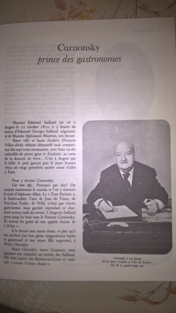 livre  CUISINE ET VINS DE FRANCE  de CURNONSKI. 10 Flers-en-Escrebieux (59)