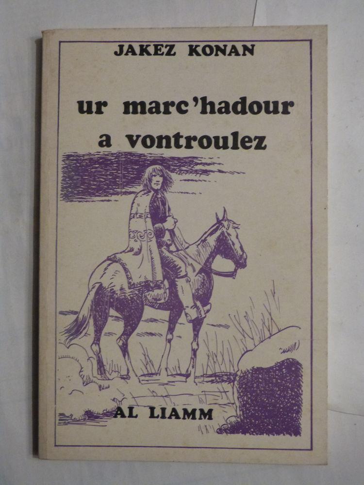 Livre écrit en breton UR MARC' HADOUR A VONTROULEZ Livres et BD
