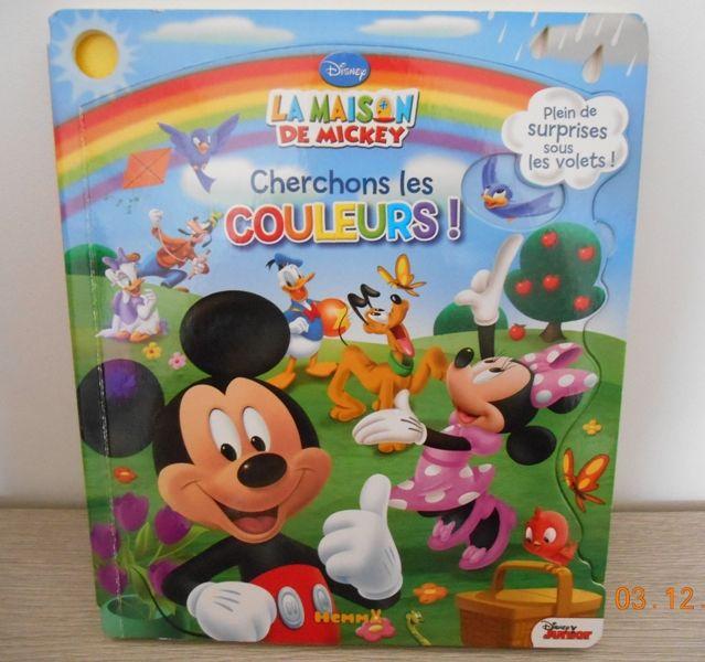 Livre enfant Disney Les couleurs neuf 14 Mâcon (71)